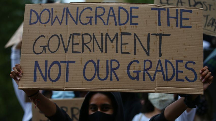 Students Inflict Humiliating Defeat on Government